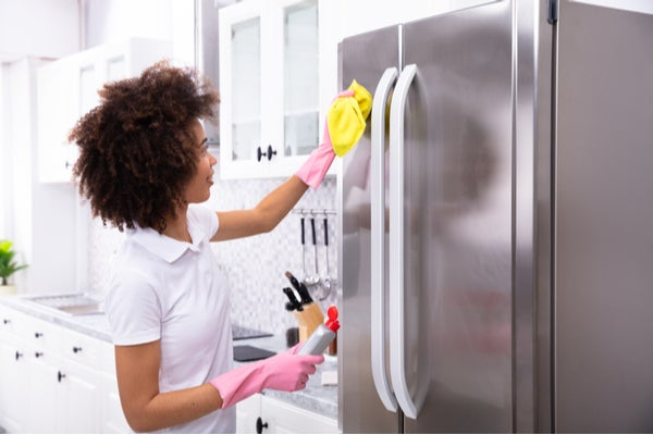 How-to-Clean-Your-Refrigerator_-3.jpg