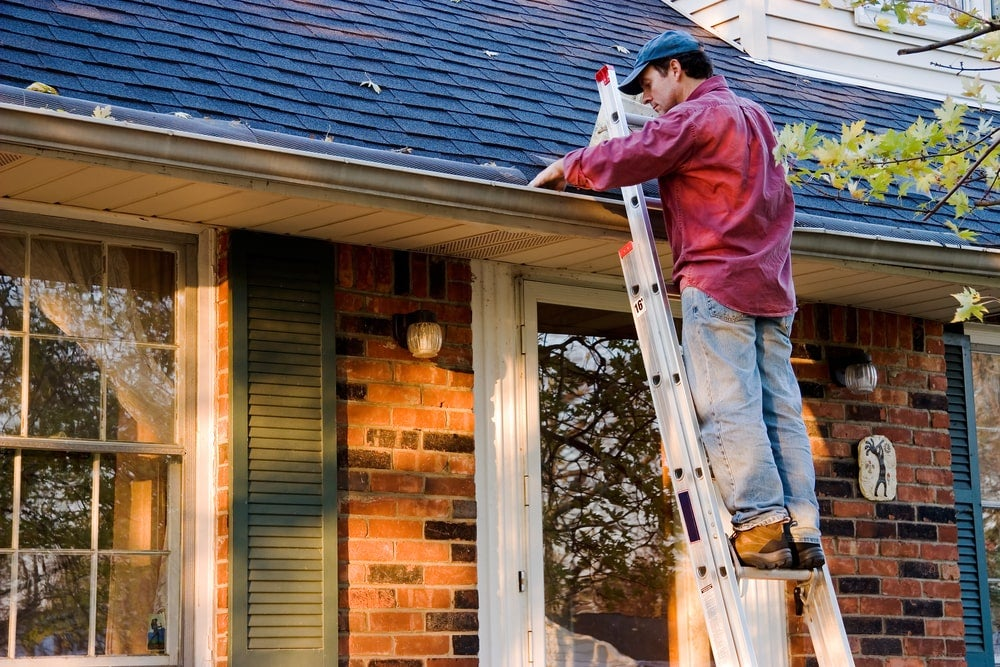 gutter-cleaning-at-home.jpg