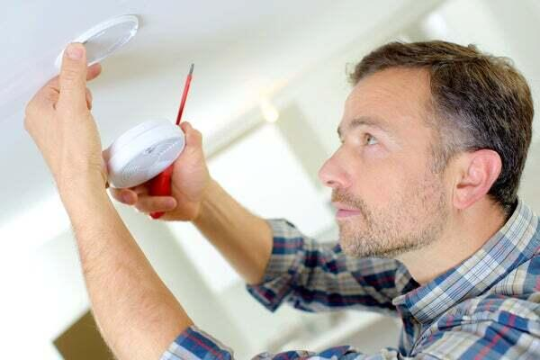 New battery in smoke detector